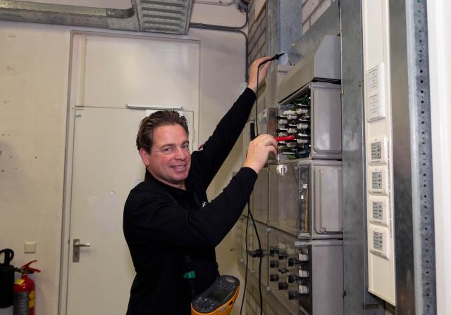 """""""Werken in een omgeving met elektriciteit brengt risico's mee."""""""